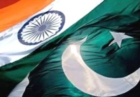 Image: Indian and Pakistani national flags | Credit: paktribune.com