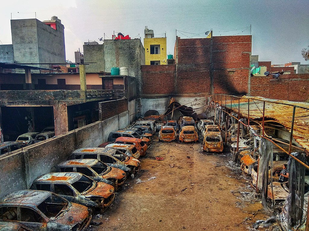 Photo: The picture of burnt Cars at Shiv Vihar. CC BY-SA 4.0