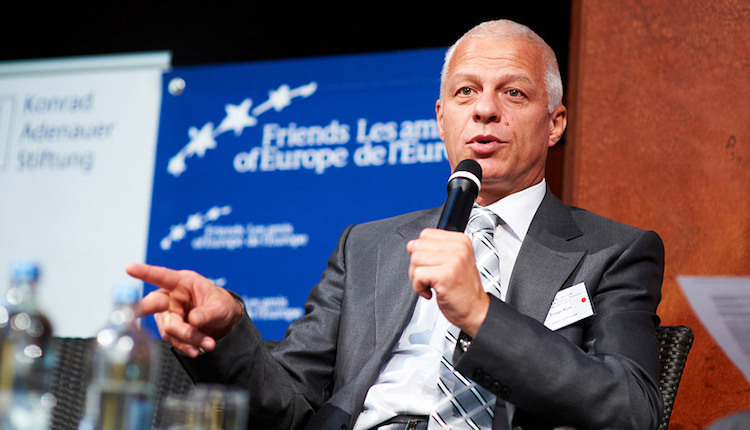 Photo: Drago Kos, Chair of the OECD Working Group on Bribery and former Chair of the Slovenian Anti-Corruption Commission – pictured in 2011 as President of the Council of Europe's Group of States Against Corruption (GRECO). Credit: Wikimedia Commons