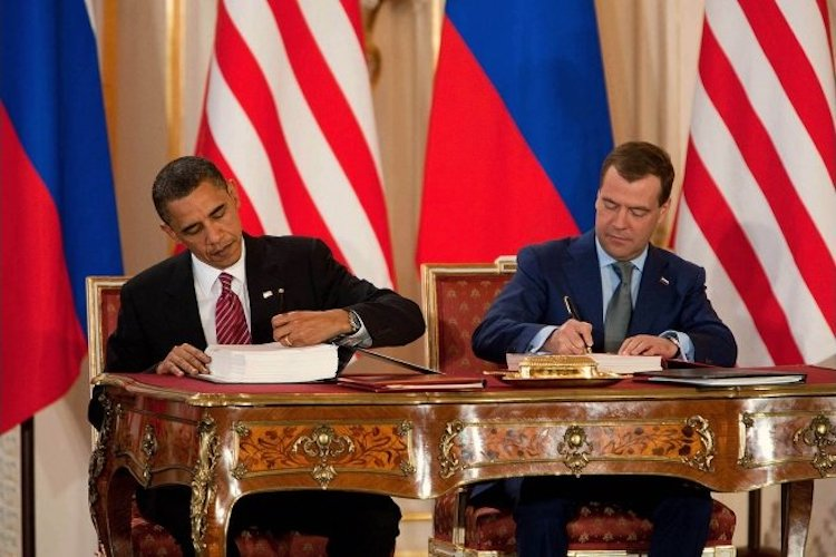 Photo: President Barack Obama and President Dmitry Medvedev of Russia sign the New START Treaty during a ceremony at Prague Castle in Prague, Czech Republic, April 8, 2010. Credit: White House / Chuck Kennedy / Wikimedia Commons.