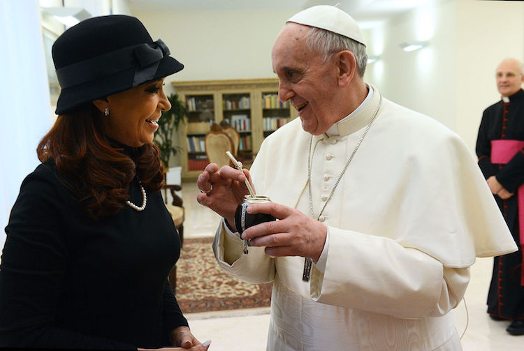 Photo: Cristina Fernández de Kirchner, ex president of Argentina, with Pope Francis. CC BY-SA 2.0