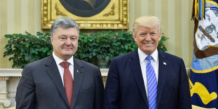 Photo: U.S. President Donald Trump meets with Ukrainian President Petro Poroshenko, June 2017. CC BY 4.0