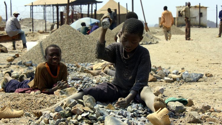 Photo: Child labor in the mines of the Democratic Republic of the Congo. Credit: UNICEF