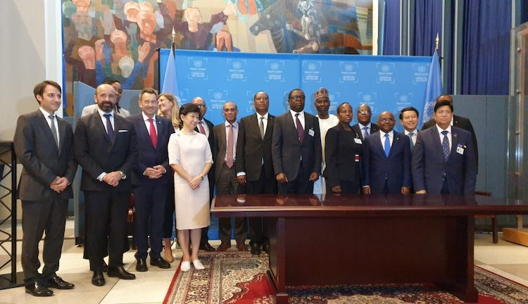 Photo: Group photo at the signature and ratification ceremony of the treaty on the Prohibition of Nuclear Weapons. Credit: UN.