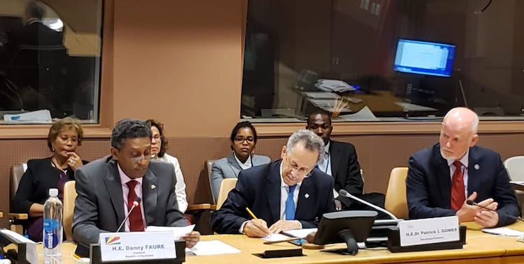 Photo (l to r): President Danny Faure of the Republic of Seychelles, ACP Secretary-General Dr .Patrick I Gomes, Ambassador Peter Thompson of Fiji, the UN Special Envoy for Oceans. Credit: Seychelles Permanent Mission to the UN in New York.