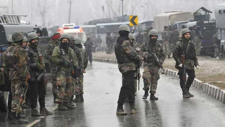 Photo: Jammu and Kashmir Police detained seven persons from Pulwama district of South Kashmir in connection with the deadly terror attack that left 40 CRPF personnel dead. Credit: HT